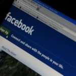 059 Facebook to charge for messages sent to non-friends
