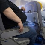 061 Man kicked off plane for 'being too fat'